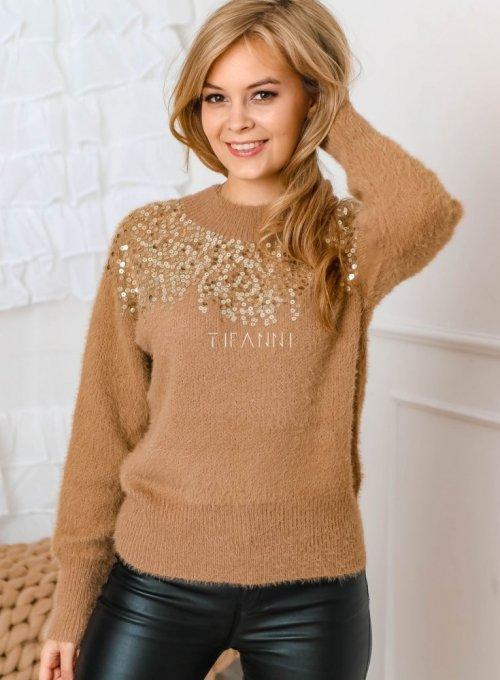 Karmelowy sweter z cekinami przy dekolcie - Koni