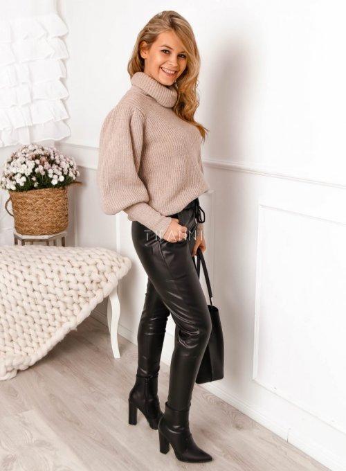 Beżowy sweter typu golf z bufiastymi rękawami - Meggi 2