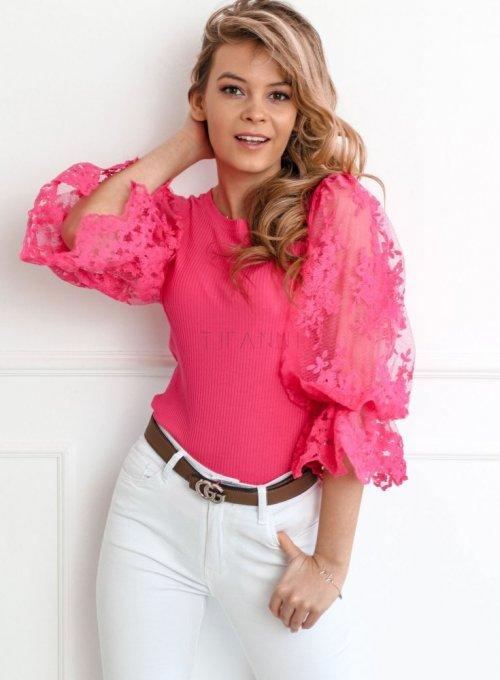 Bluzka z bufiastymi koronkowymi rękawami w kolorze fuksji 3