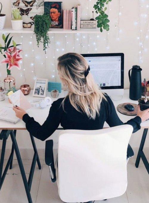 Jak dobrze wyglądać w domu. Jakie ubrania wybrać by czuć się komfortowo, modnie i być efektywnym w #Home Office ?