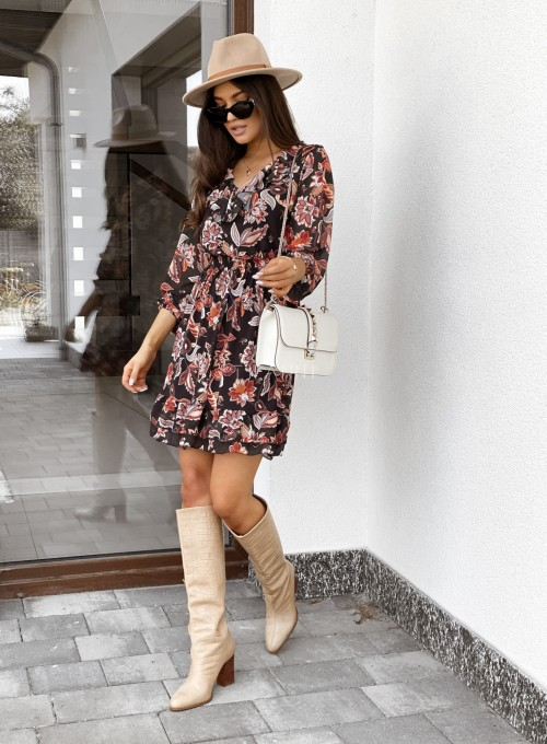 Sukienka z dekoltem i żabotem Nolle czarna 1