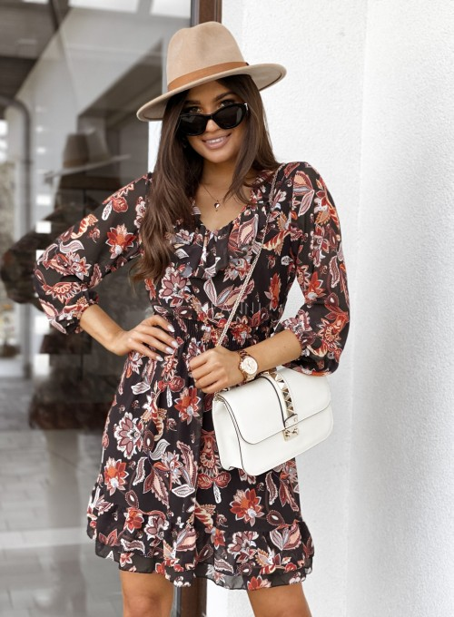 Sukienka z dekoltem i żabotem Nolle czarna 3