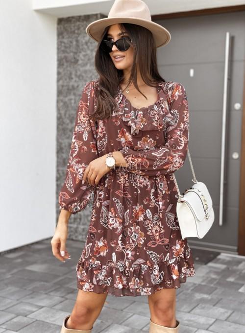 Sukienka z dekoltem i żabotem Nolle karmelowa 4
