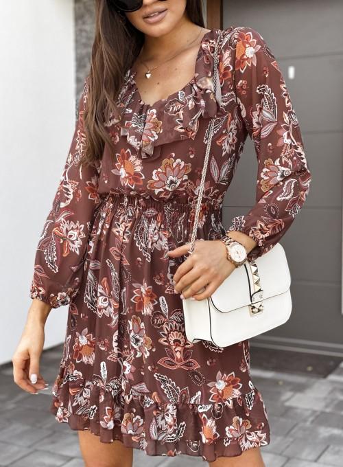 Sukienka z dekoltem i żabotem Nolle karmelowa 1
