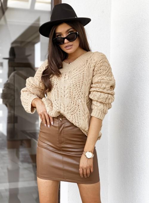 Sweter z dekoltem Paulo karmelowy