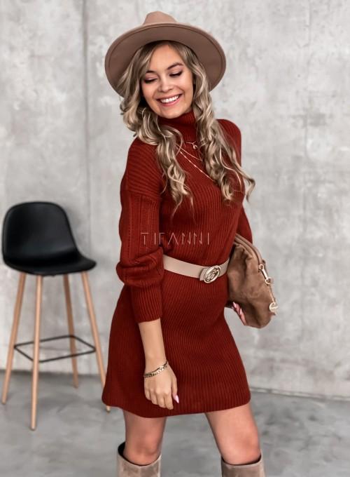 Swetrowa sukienka z golfem w kolorze ceglastym 5