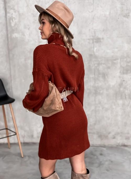 Swetrowa sukienka z golfem w kolorze ceglastym 6