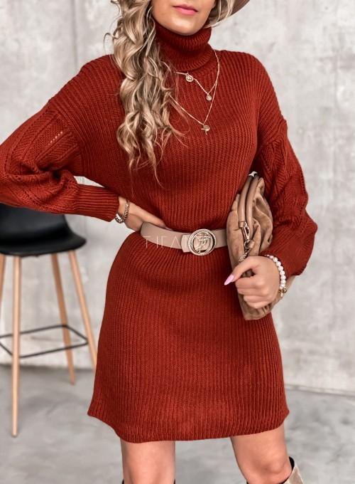 Swetrowa sukienka z golfem w kolorze ceglastym 7