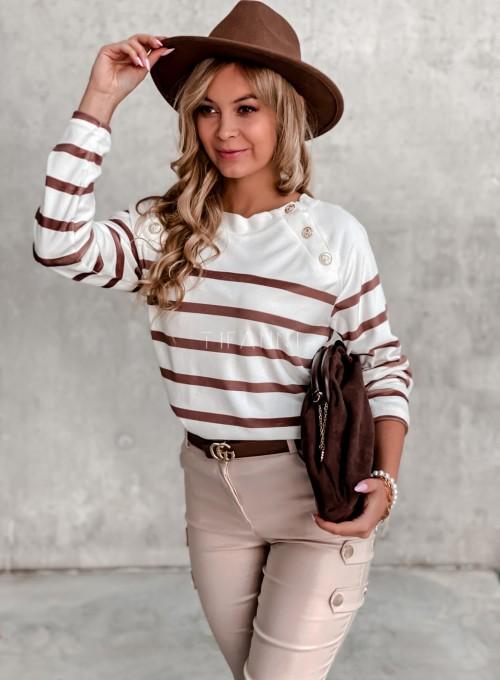 Sweter śmietankowy w karmelowe prążki