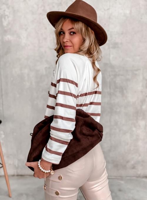 Sweter śmietankowy w karmelowe prążki 4