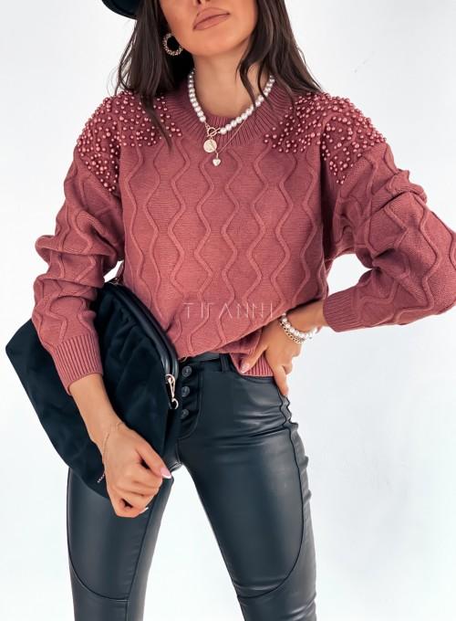 Sweter z perełkami na ramionach 1