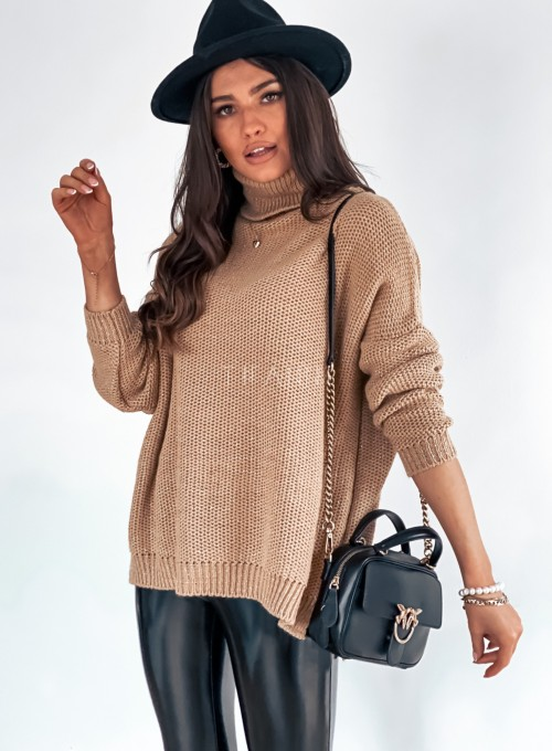 Sweter golf ze srebrną nitką camel 3