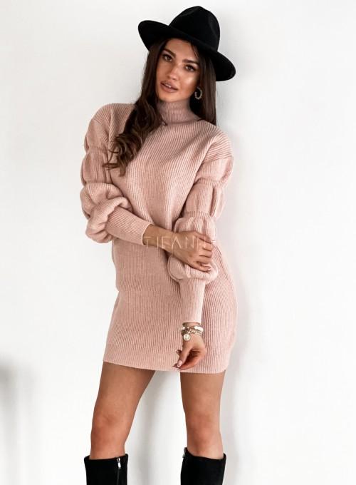 Sukienka swetrowa z golfem Alexa pudrowa 3