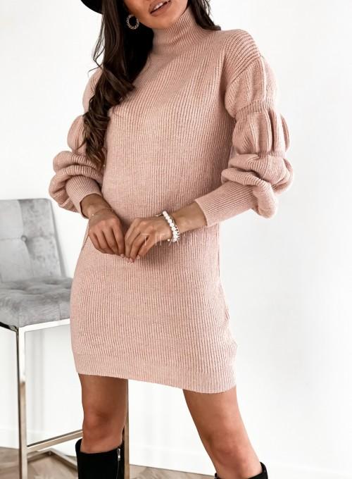 Sukienka swetrowa z golfem Alexa pudrowa 1
