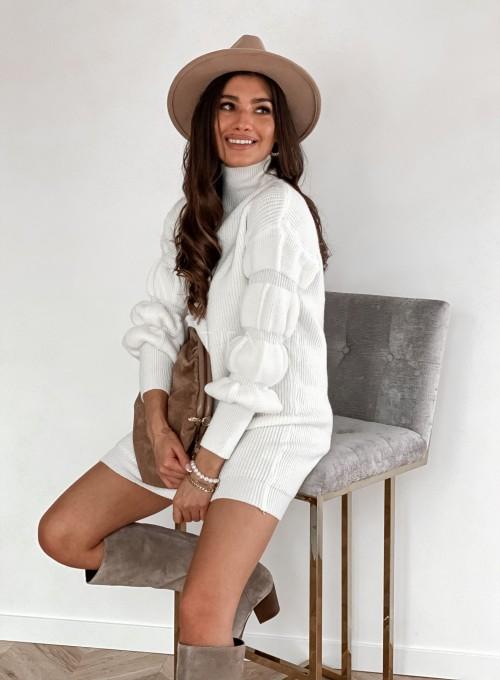 Sukienka swetrowa z golfem Alexa śmietankowa 4