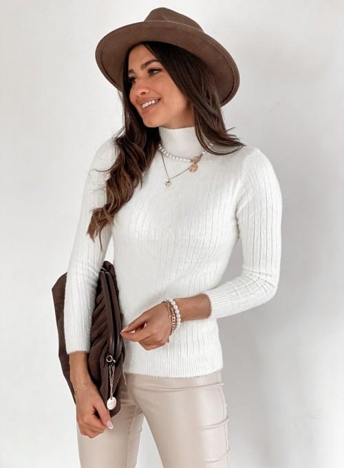Sweter golf prążkowany śmietankowy