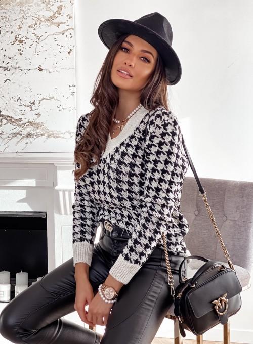 Sweter w pepitkę beżowo-czarny