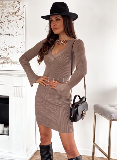 Sukienka Palio z ozdobnymi łańcuchem na szyi 2