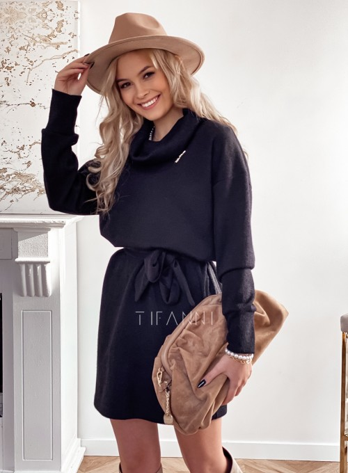 Sukienka z golfem Trixi czarna
