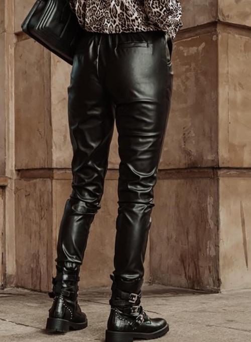 Woskowane spodnie Tonni czarne 3