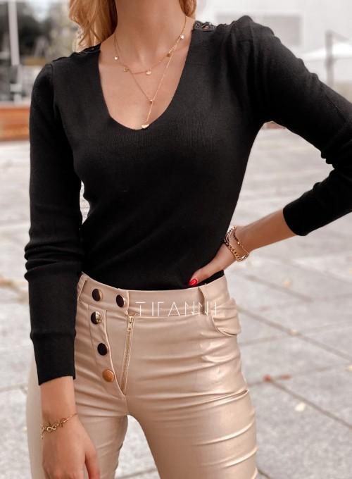 Bluzka Melis z ażurowym wzorem na plecach czarna 4