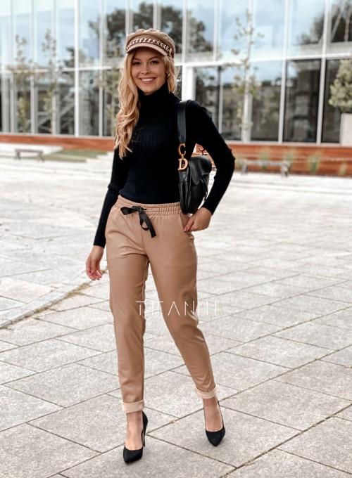 Woskowane spodnie Tonni nude 1