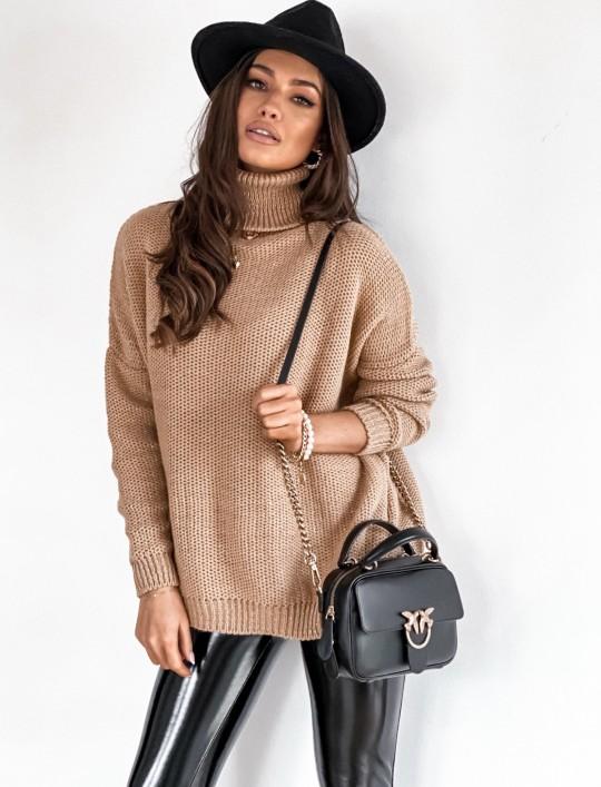 Sweter golf ze srebrną nitką camel