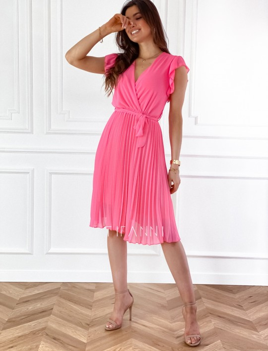 Zwiewna plisowana sukienka w kolorze pink