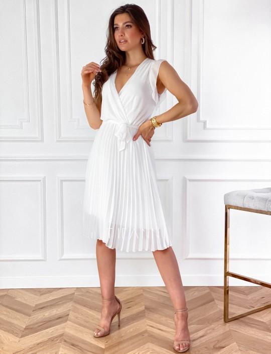 Zwiewna plisowana sukienka w kolorze śmietankowym